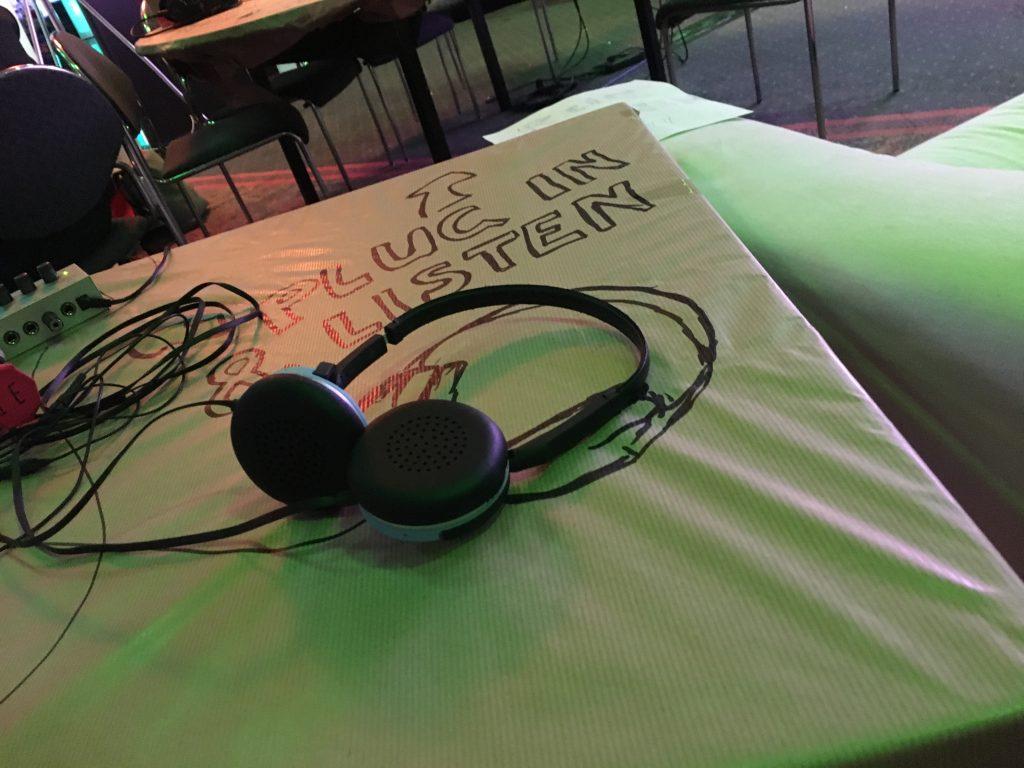 Live reinhören? Unsere Hörstationen machten's möglich! (@nitramred CC-BY-4.0)